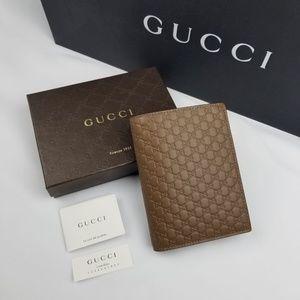 NWT Gucci Microguccissima Brown Passport Holder